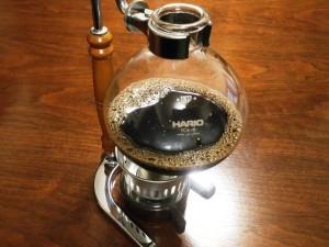 サイフォンで入れるコーヒー