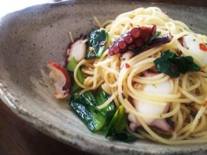 蛸と小松菜のペペロンチーノ